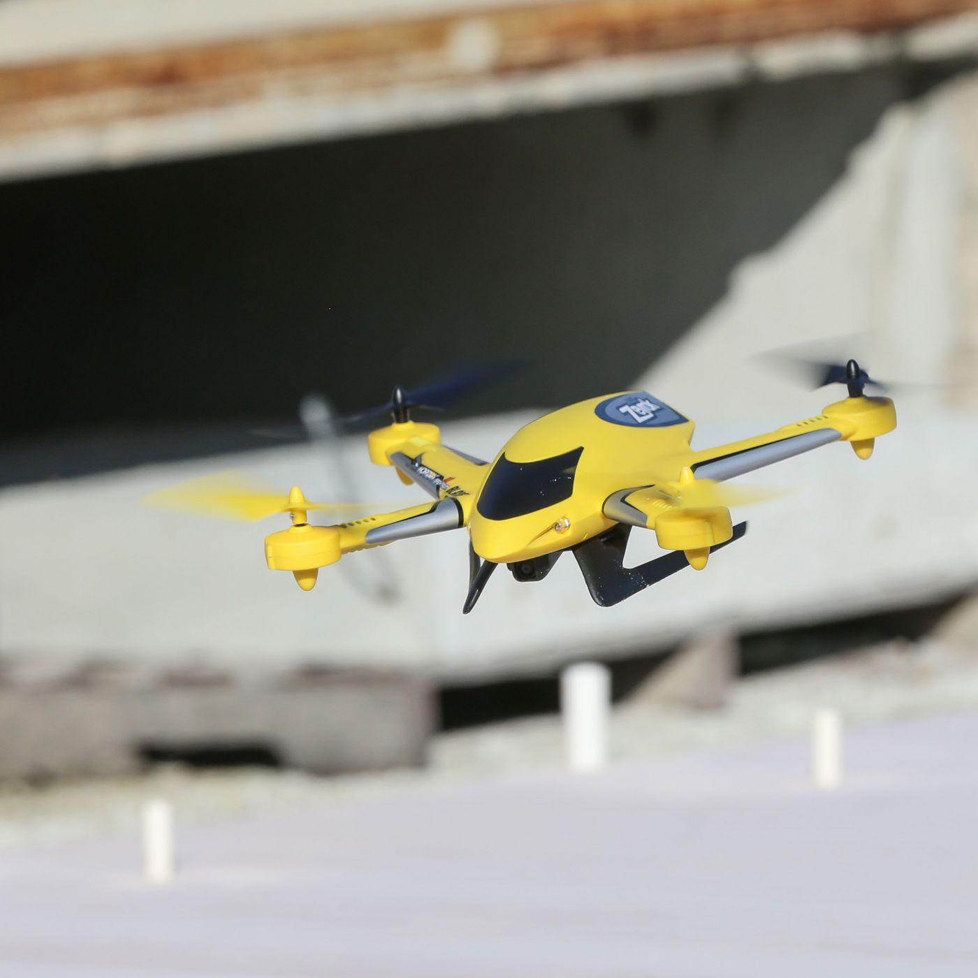 Zeyrok Drone RTF with Camera & SAFE® Technology Yellow (BLH7360T1)